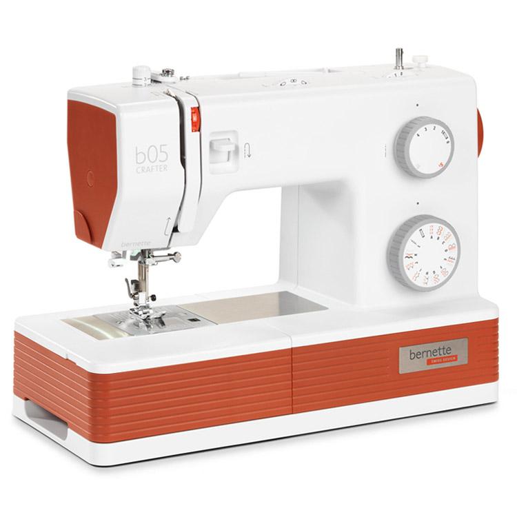 Электромеханическая швейная машина Bernette b 05 Crafter