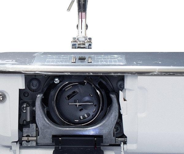 Компьютерная швейная машина Bernina 740