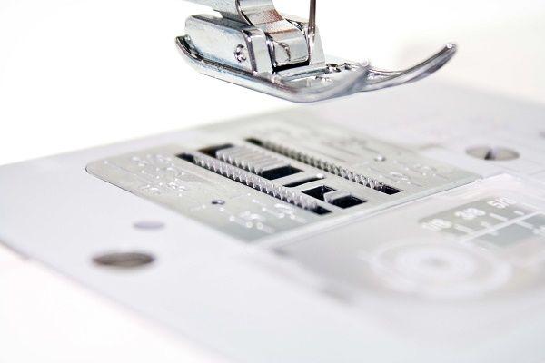 Швейная машинка Janome EL 150
