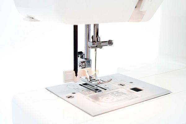 Швейная машинка Janome EL 190